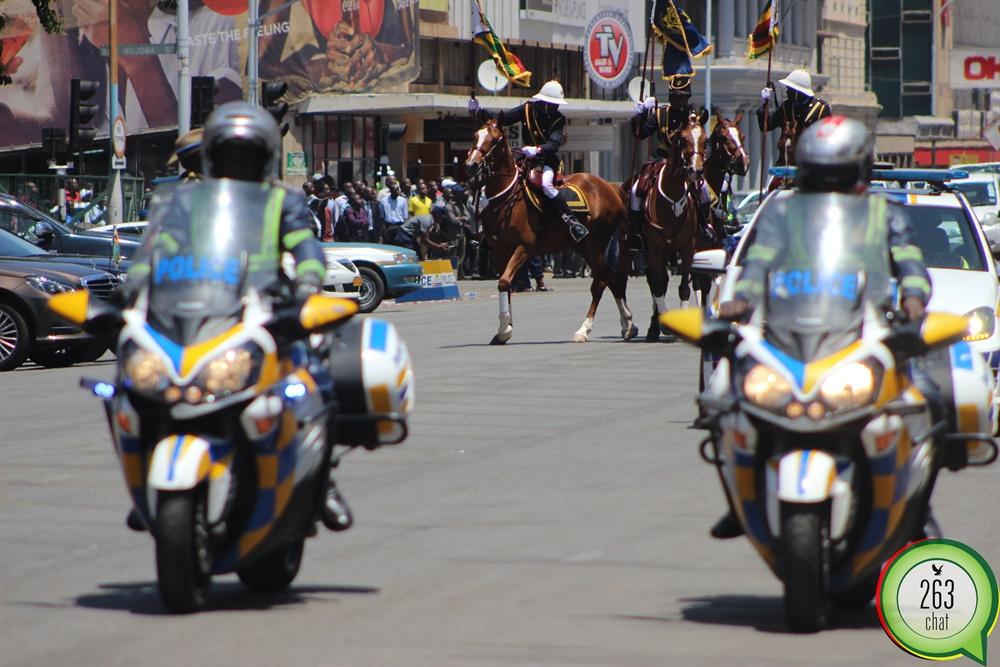 President Mugabe's motorcade arrives at the Parliament