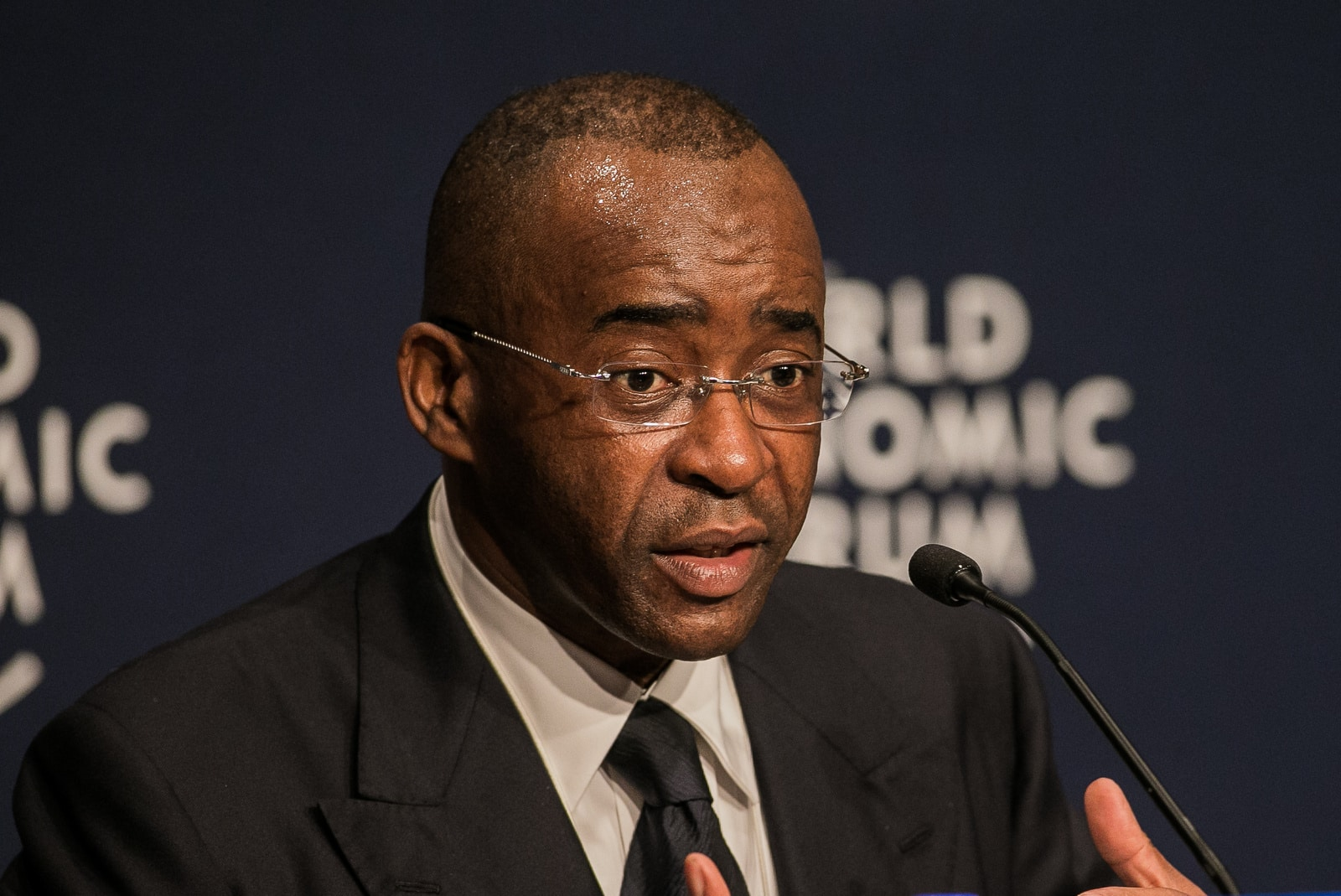 Masiyiwa donates 45 Ventilator ICU sets to Zimbabwe, urges big businesses to step in & help » 263Chat